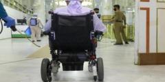 مواطن سعودي من ذوي الاحتياجات الخاصة يبكي بحرقة لهذا السبب